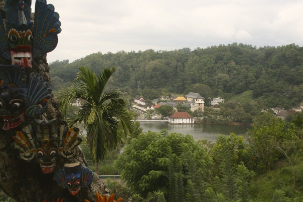 Kandy Lake.jpg - Sri Lanka - Meet the People Tours