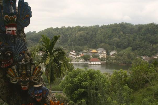 Kandy Lake.jpg - Sri Lanka - Meet the People Tours
