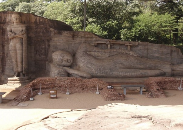 Reclining Buddha.jpg - Sri Lanka - Meet the People Tours