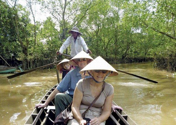vietnam in boat.jpg - Vietnam - Meet the People Tours