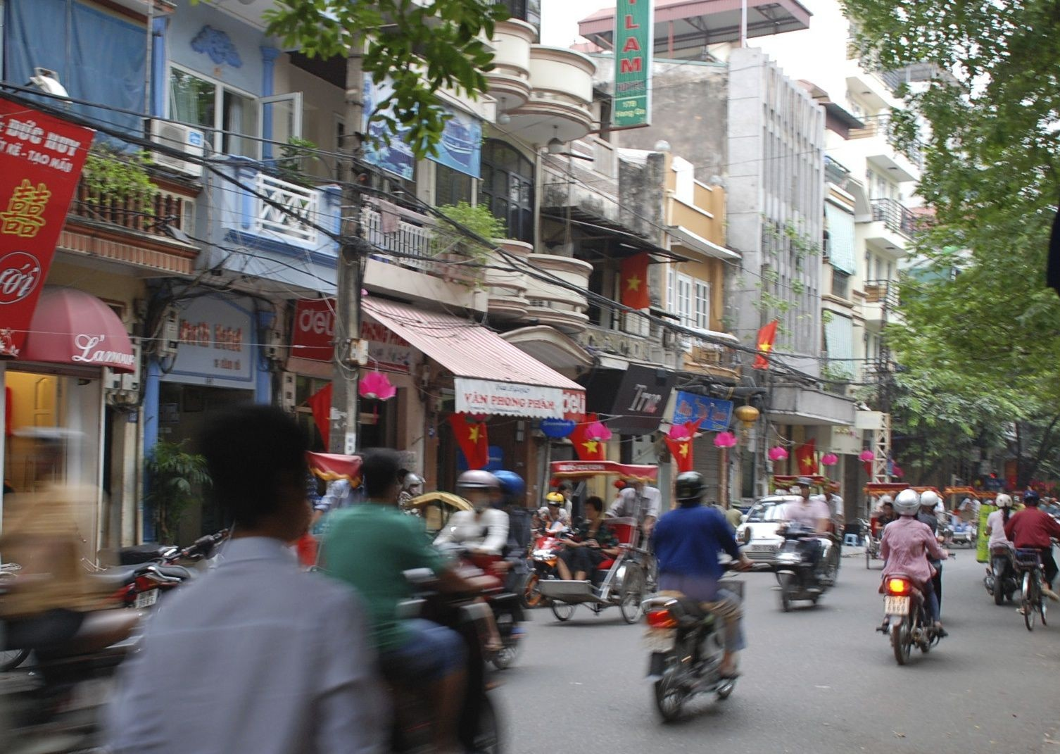 Vietnam traffic.jpg - Vietnam - Meet the People Tours