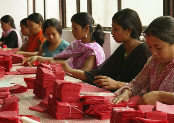 Papermaking.jpg - Nepal - Meet the People Tours
