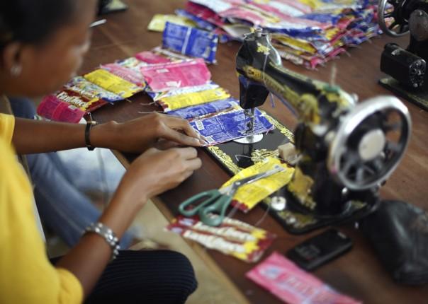 Trashy Bags - Ghana - Meet the People Tours
