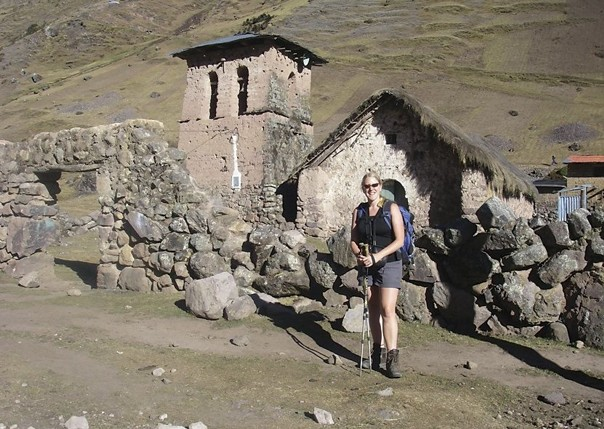Trekking.jpg - Inca Trails in Peru - Meet the People Tours